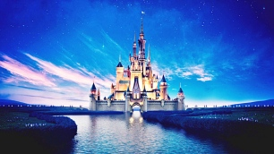 Walt-Disney-Castle-Blue-Sky